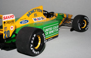 1992 was the last year of big, wide tyres in F1 (well, not as wide as in the 70s...).