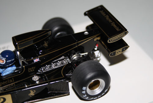 The Lotus 76 initially raced with this long, tapered engine cover and double rear wing before it was discarded in favour of a more conventional setup (also modelled by Spark, HERE).