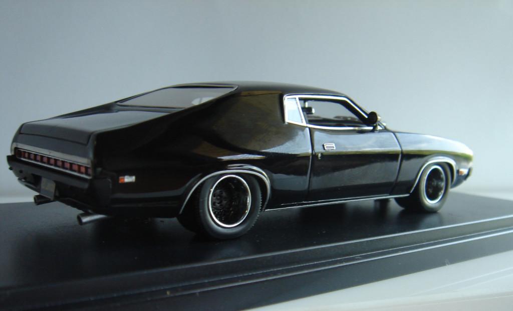 Black 428 Ford Landau Modified (100 units)
