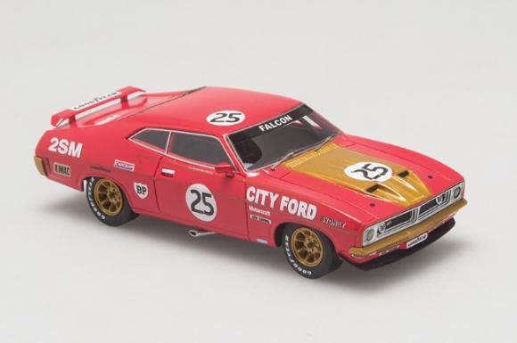 Ford XB Falcon GT Hardtop driven by Allan Moffat and Ian Geoghegan in the 1975 Hardie Ferodo 1000