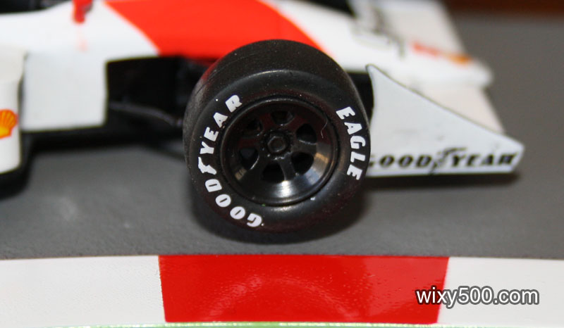 Wheel shape and detail is ok. No brake discs included, but there are brake cooling ducts